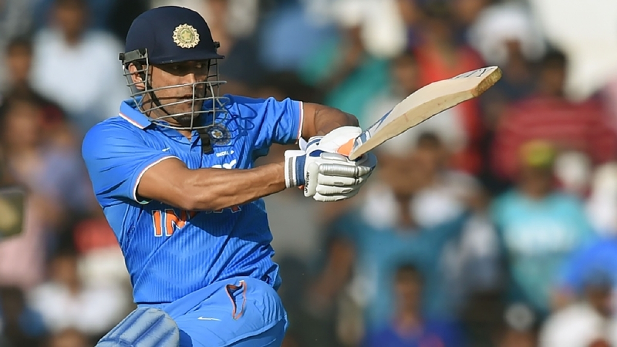 Crowds throng at Brabourne Stadium to see 'Captain Cool' MS Dhoni one last time