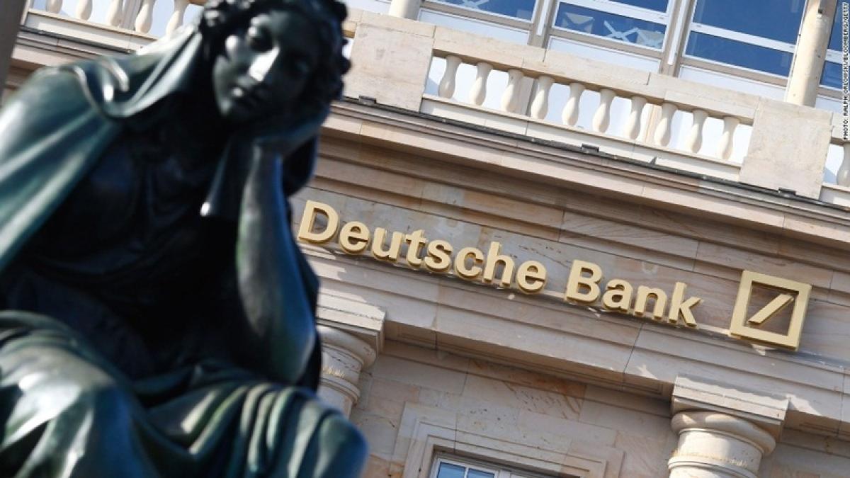 Panama Papers case: German police raid Deutsche Bank