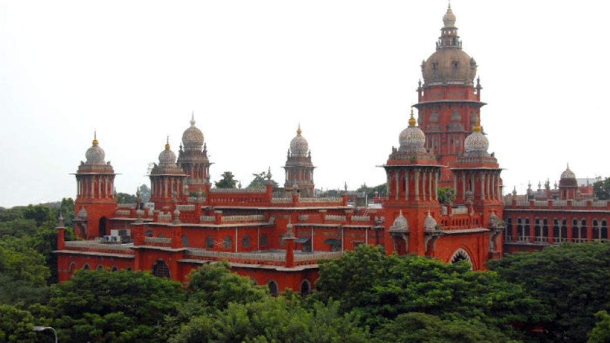 Madras HC confirms Rs 28 crore penalty on Sasikala's nephew Dinakaran