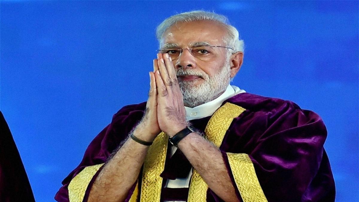 Tirupati: Prime Minister Narendra Modi at the inauguration of 104th Indian Science Congress programme at Sri Venkateswara University in Tirupati, Andhra Pradesh on Tuesday. PTI Photo by R Senthil Kumar    (PTI1_3_2017_000070B)