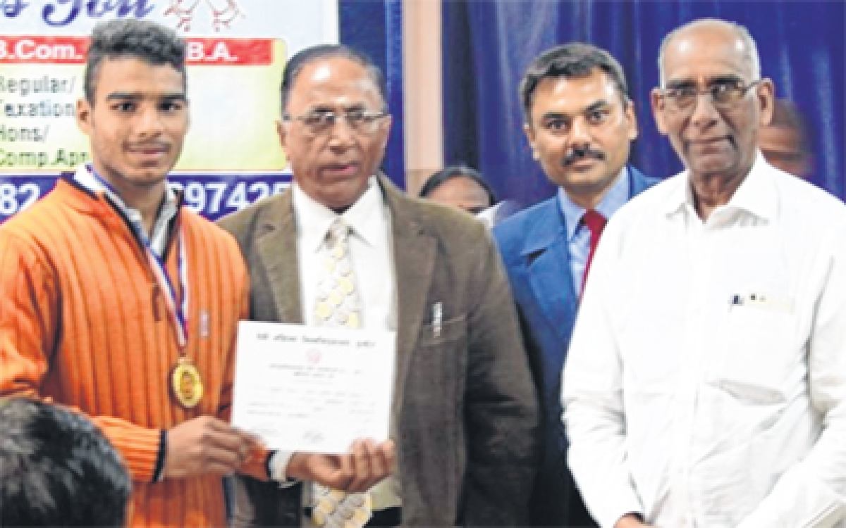 Indore: SICA College organises general knowledge competition