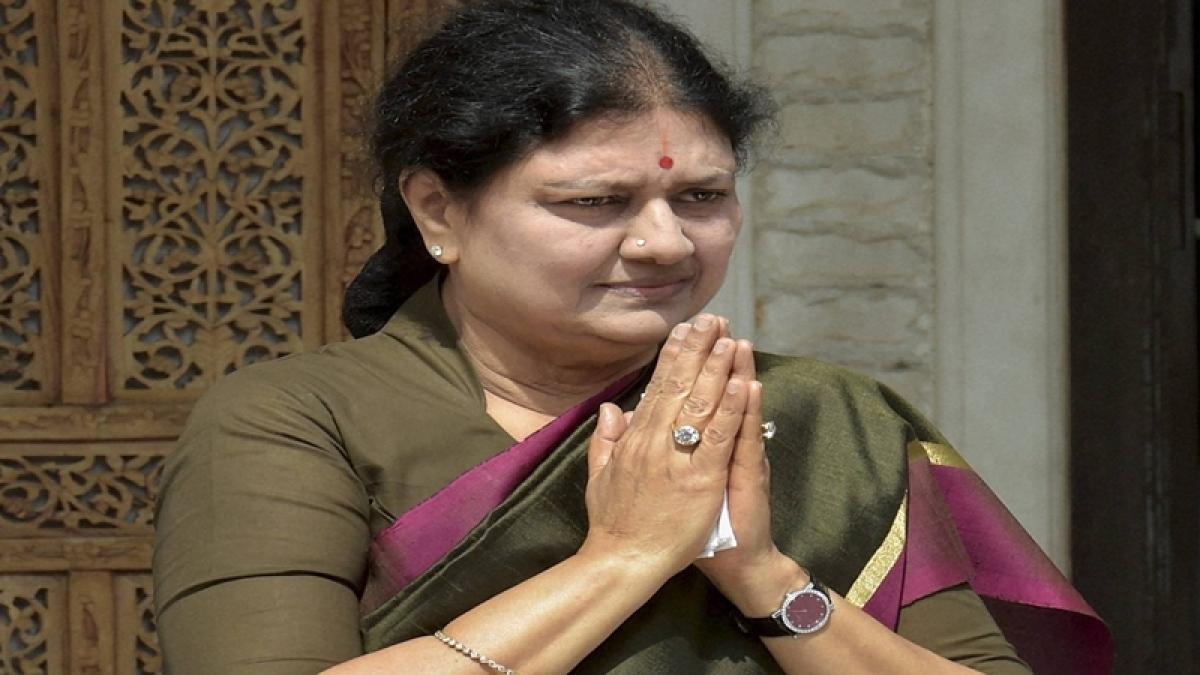 Tamil Nadu: AIADMK expels 16 party functionaries who interacted with VK Sasikala