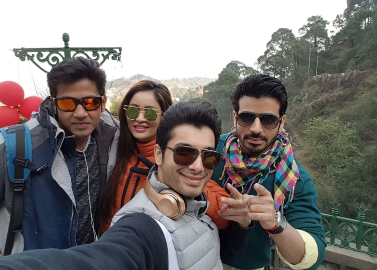 In Pictures: Ssharad Malhotraa enjoying winters and New Year in Kasauli with friends!