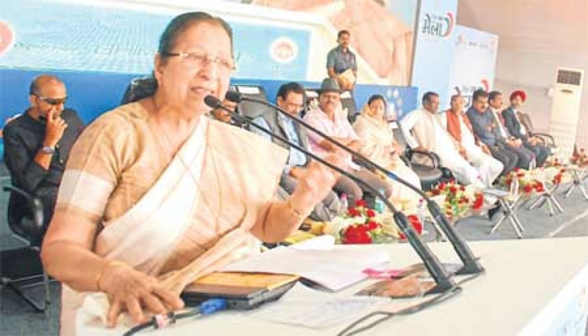 Indore: PM wants digital transaction at paan shops in Rajwada area says Sumitra Mahajan