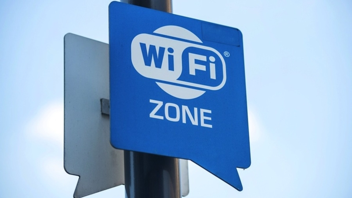 Delhi: AAP government sets target of launching free Wi-Fi facility by March next year