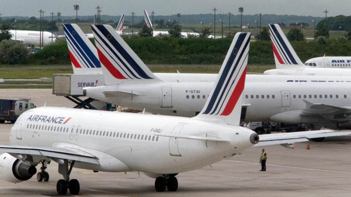 Air France turns away 15 from Muslim countries for Trump ban