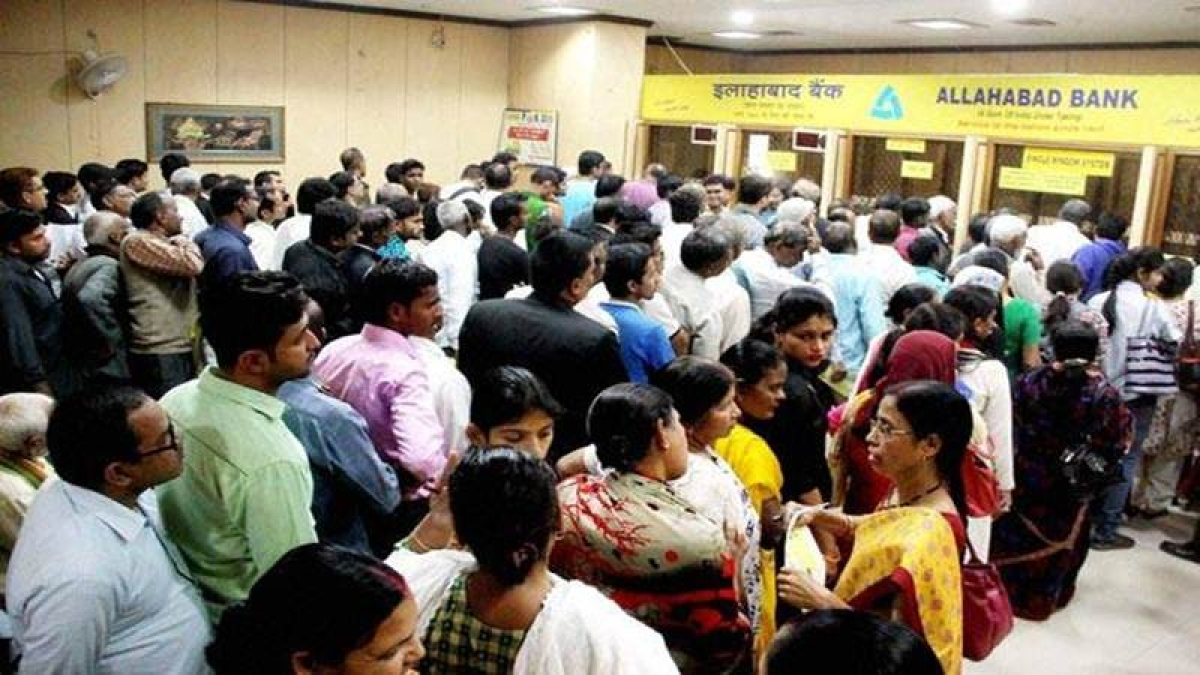 Demonetisation: Bank union seeks overtime for extra working hrs