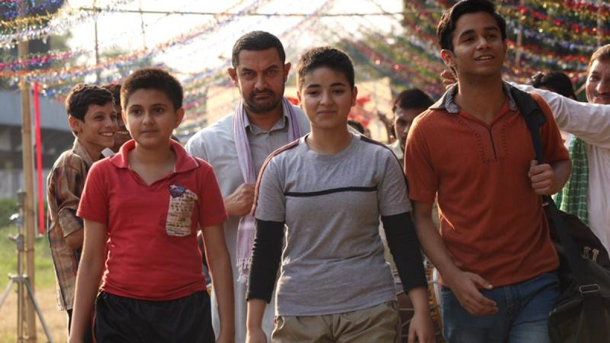 'Dangal' crosses Rs 385 crore in India, Aamir feels 'touched'