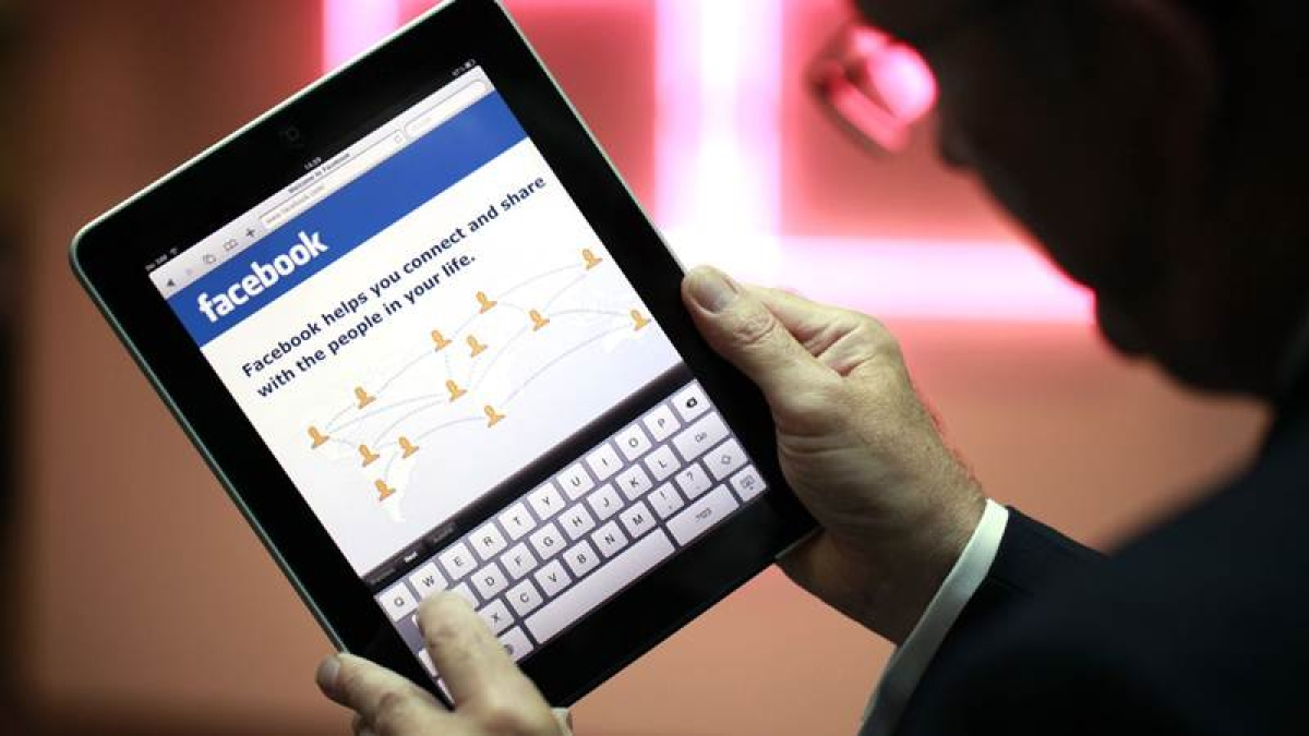 Facebook giving birth to narrow-mindedness