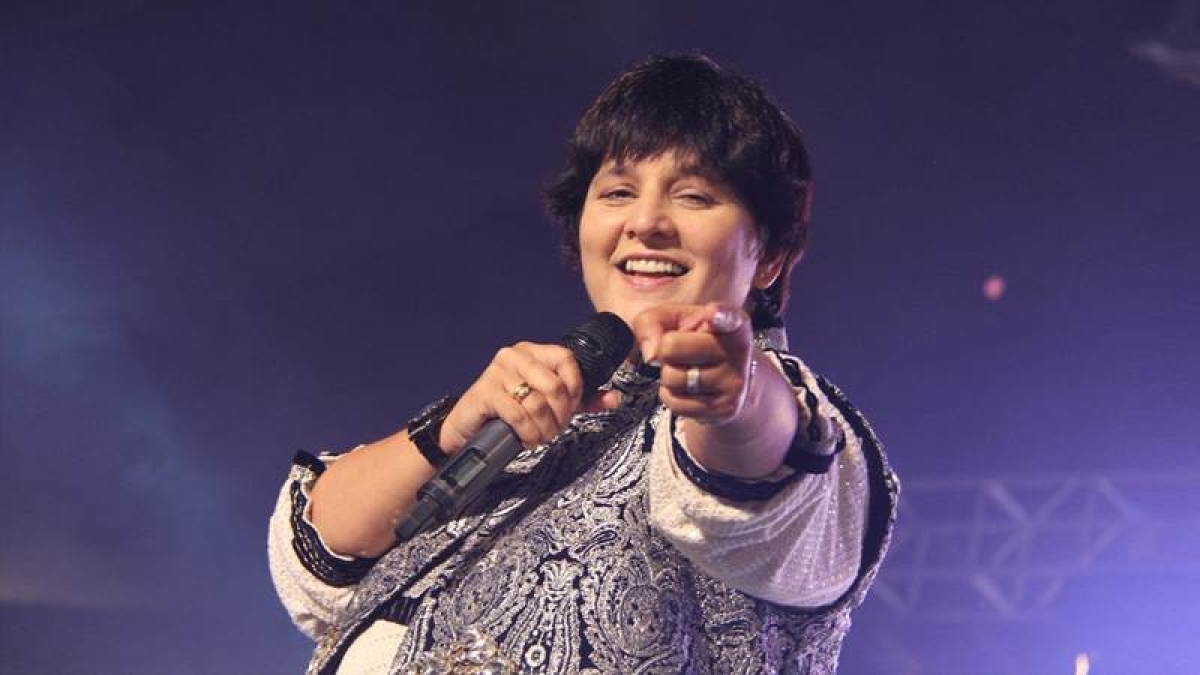 SRK wanted Falguni Pathak to sing 'Udi Udi Jaaye' from 'Raees'