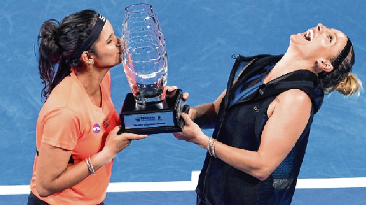 Sania wins Brisbane women's doubles title but loses No.1 rank