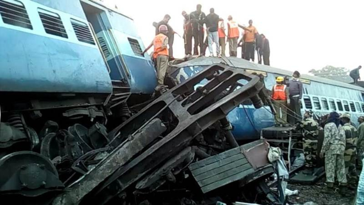 39 killed, over 50 injured as Hirakhand Express derails