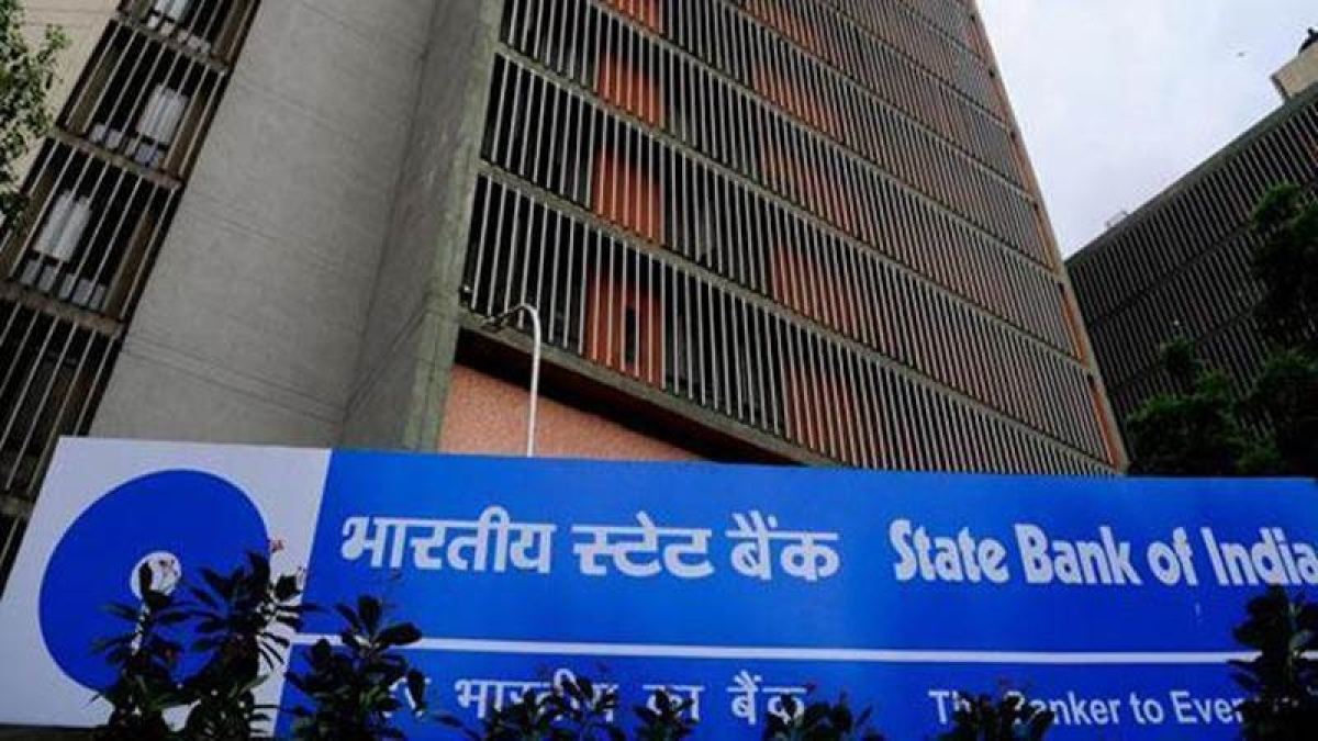 SBI reviews minimum balance charges for savings accounts