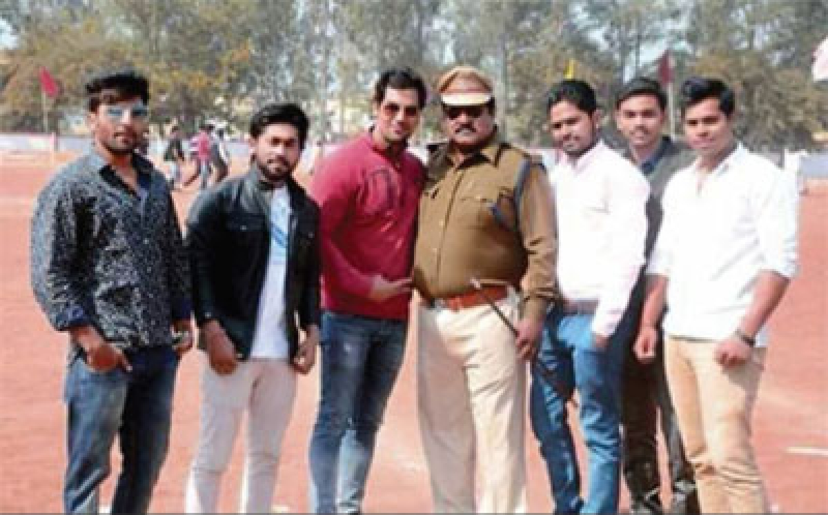 Bhopal: CSP's picture with Balram goes viral
