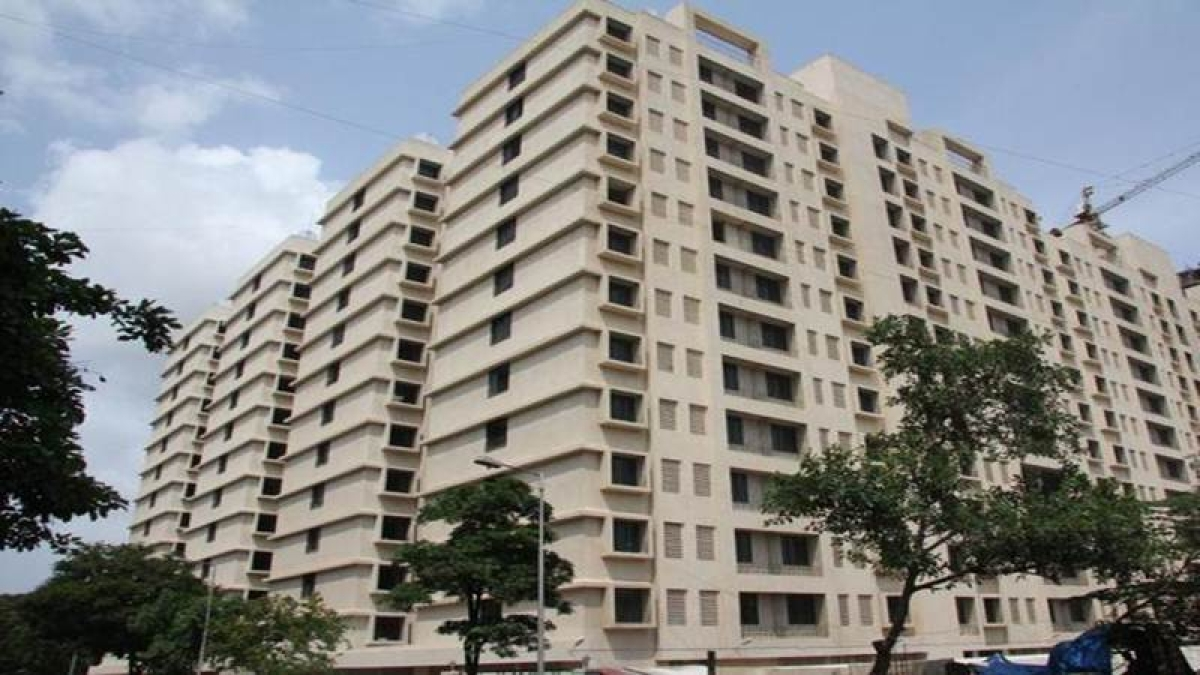 Mumbai: War of words breaks out between builder and tenants over possession of flats