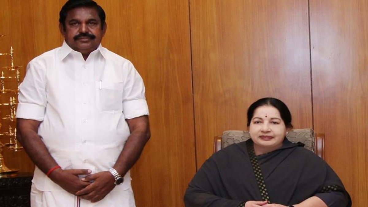 Palaniswamy meets Governor Vidyasagar Rao, stakes claim to form govt