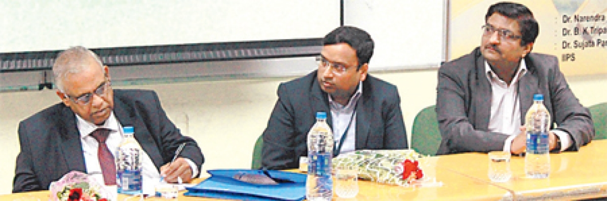 Indore: DAVV to reduce gap between industry and academia said Vice Chancellor