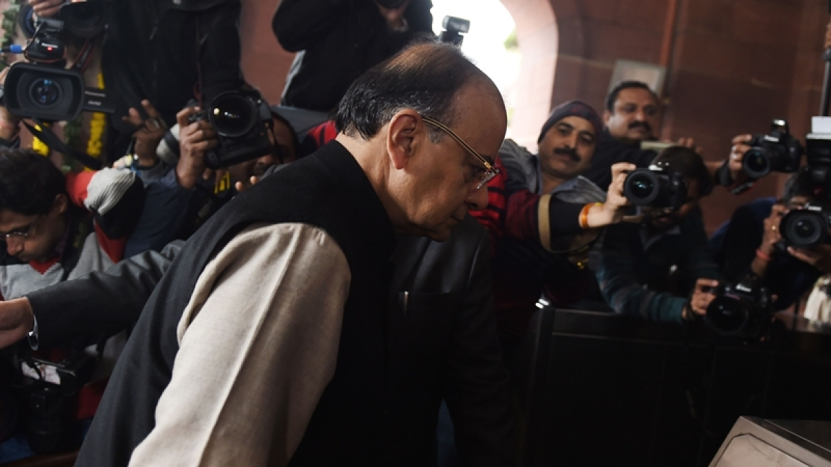 Union Budget 2017: FM Arun Jaitley presents Budget amid protests by Congress