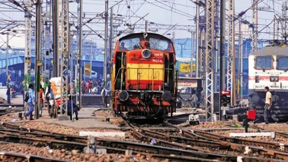All-woman team of ticket examiners on Mumbai-Ahmedabad Shatabdi from March 8