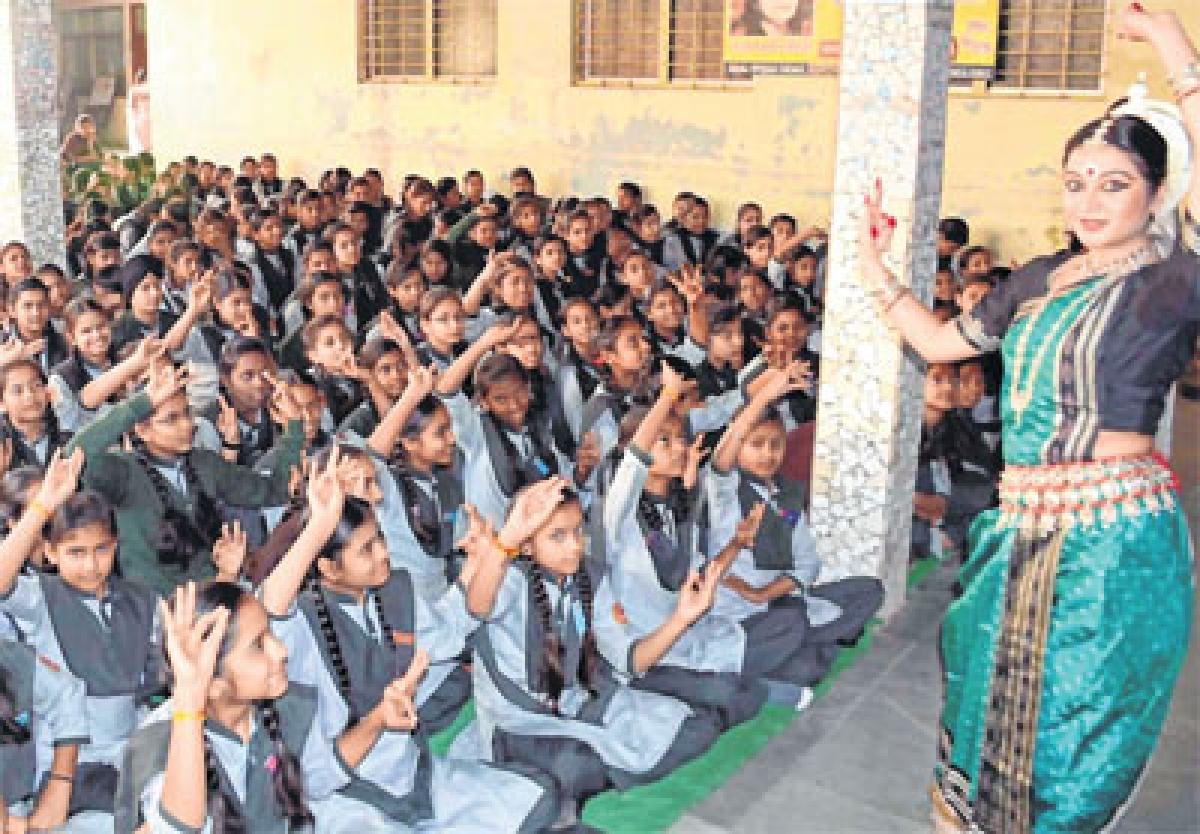 Ujjain: Lipsa Satpathi enthralls spectators