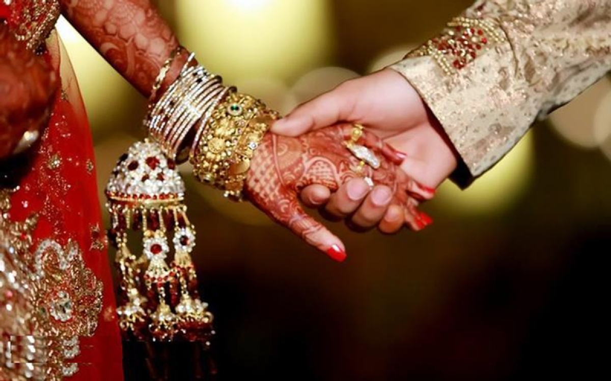 Shocking! Newly-married man killed, bride critically injured after 'wedding gift' explodes in Odisha