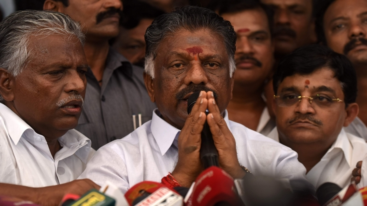 Panneerselvam camp urges Speaker to have secret ballot of confidence motion