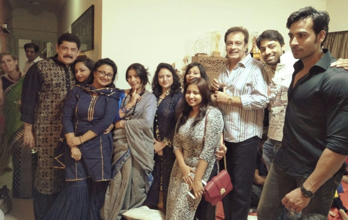 Badho Bahu Jaya Ojha's anniversary party was a rocking affair!