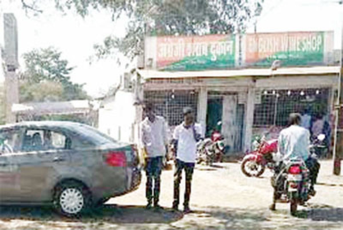 Bhopal: People blame liquor shop for spurt in road accidents, demand shifting