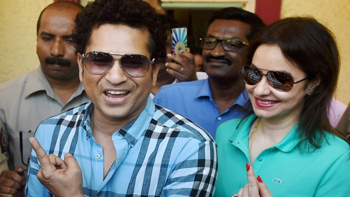 BMC polls: Sachin Tendulkar casts his vote in Mumbai