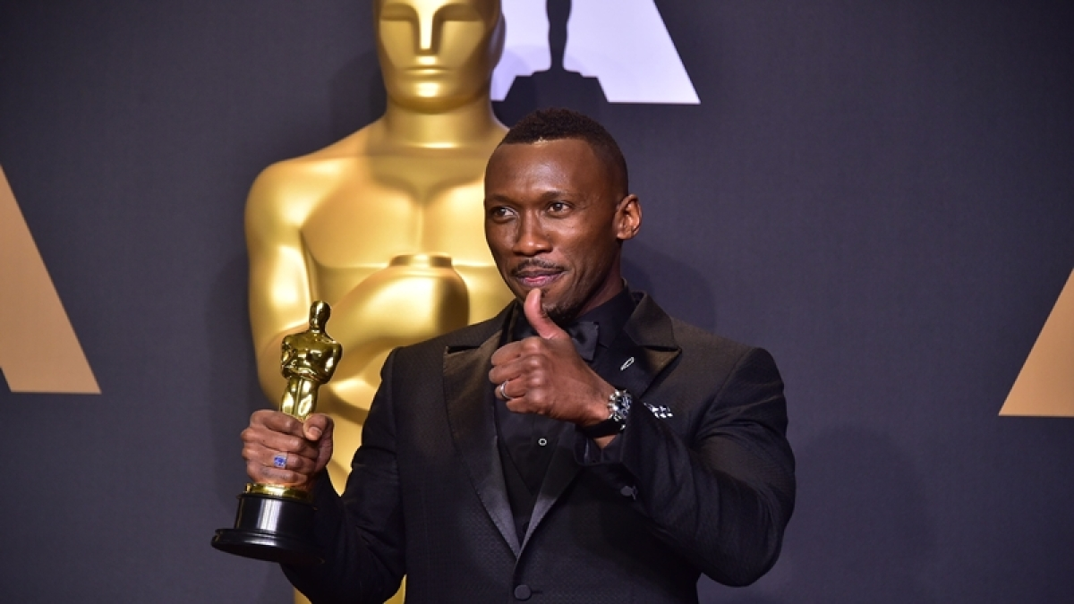 Oscars 2017: Mahershala Ali wins best supporting actor award for Moonlight
