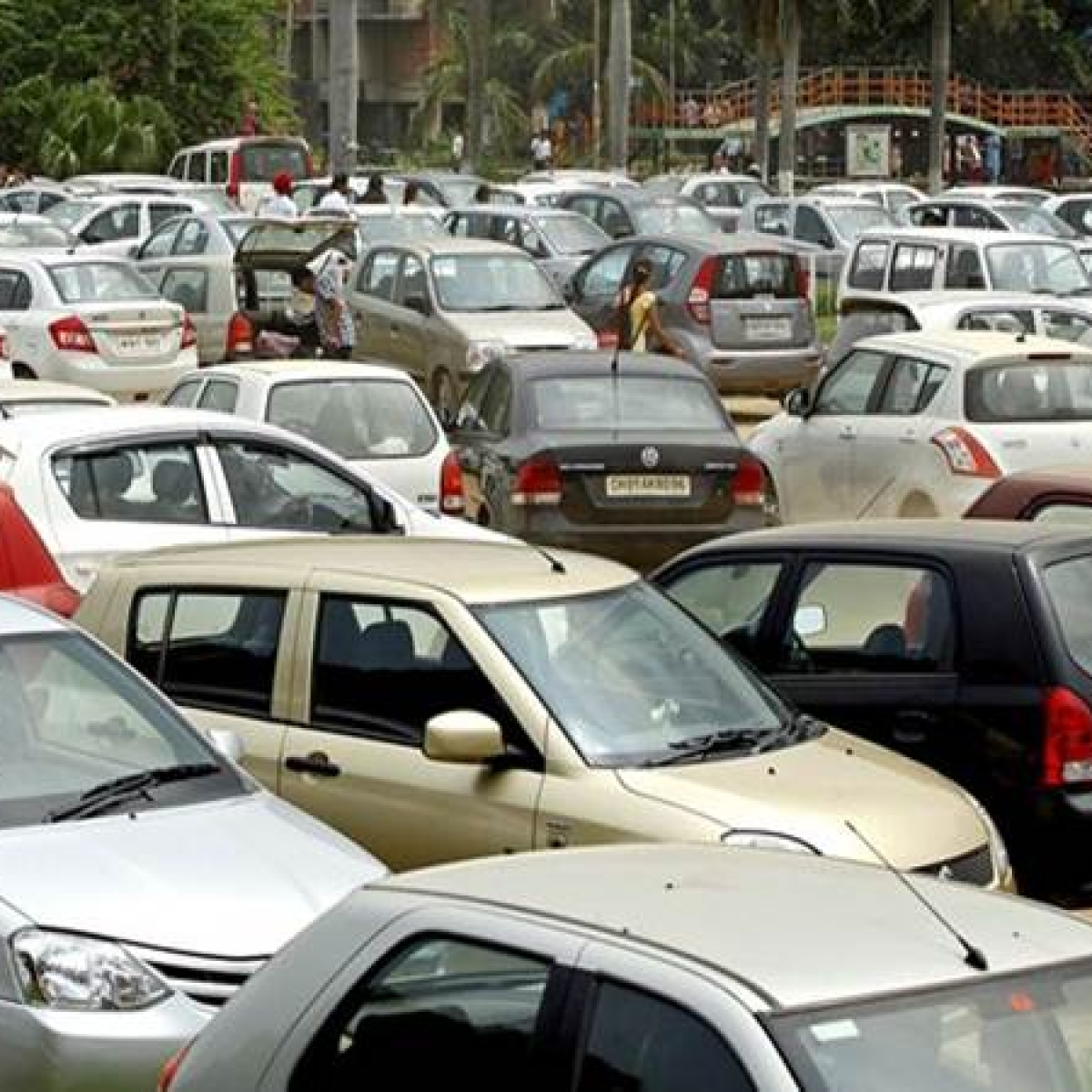 To curb illegal parking, Mumbai Police to book violators