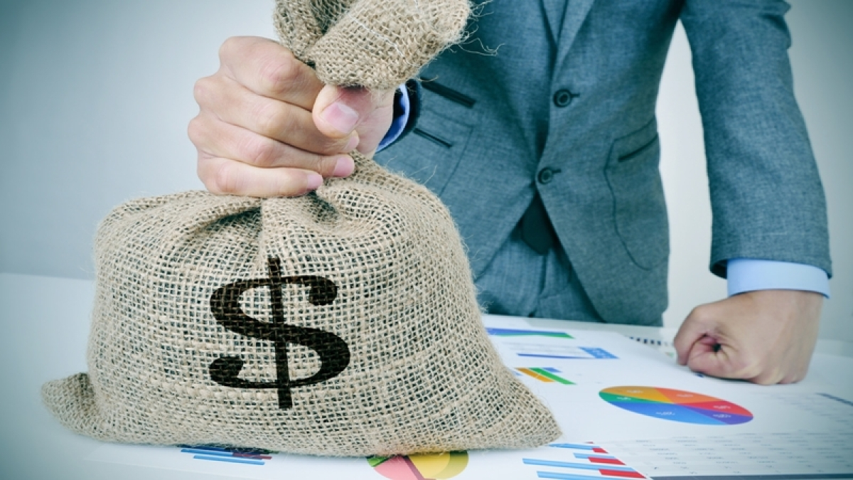 Investments by PE, VC funds more than halve to USD 1.9 billion in August: EY