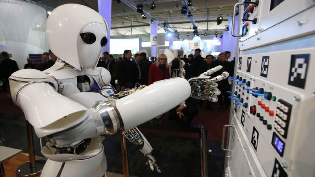 By 2030, robots may replace 250k public sector UK workers