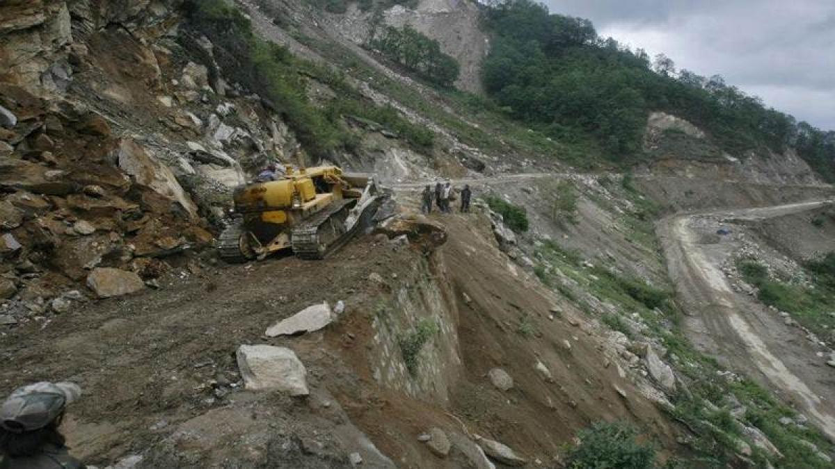 10 killed in landslides in Bangladesh