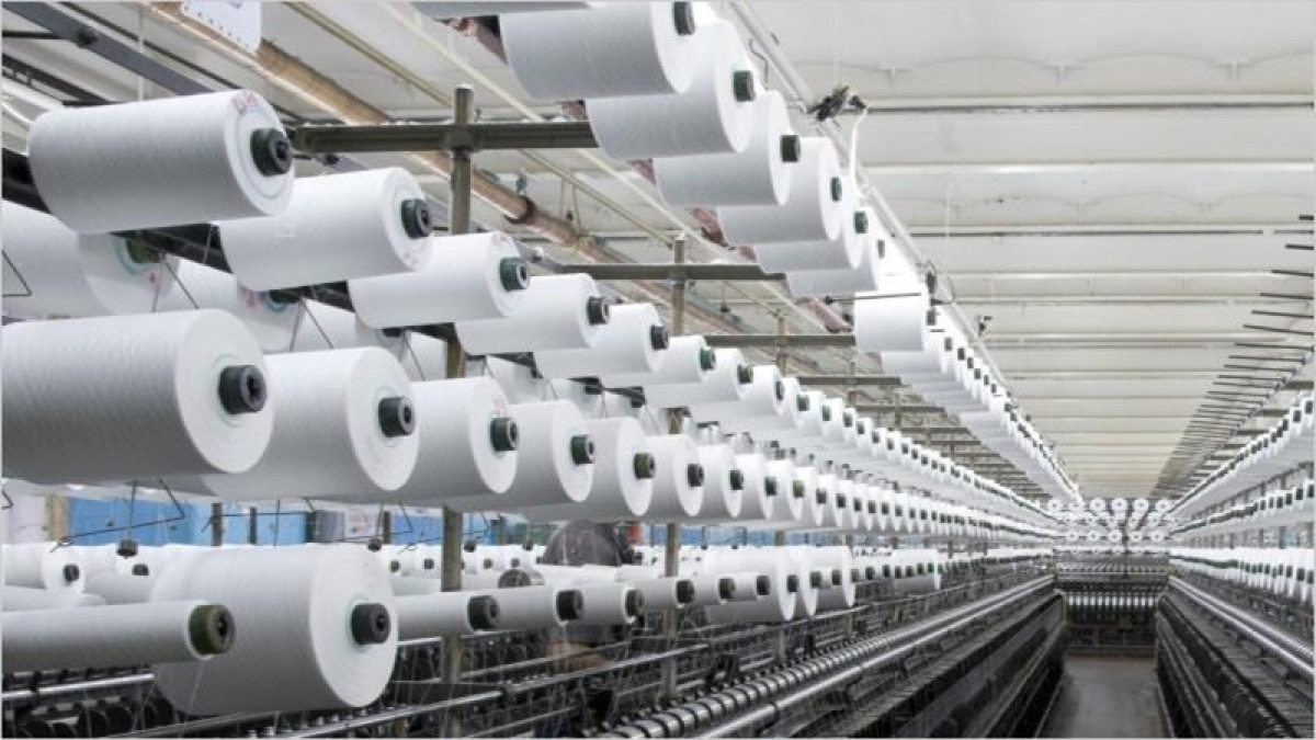 Government to hike import duty on 300 textile products