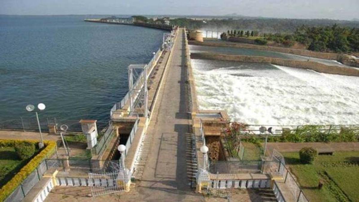 Cauvery verdict: AIADMK says efforts will continue for water, DMK slams Tamil Nadu govt