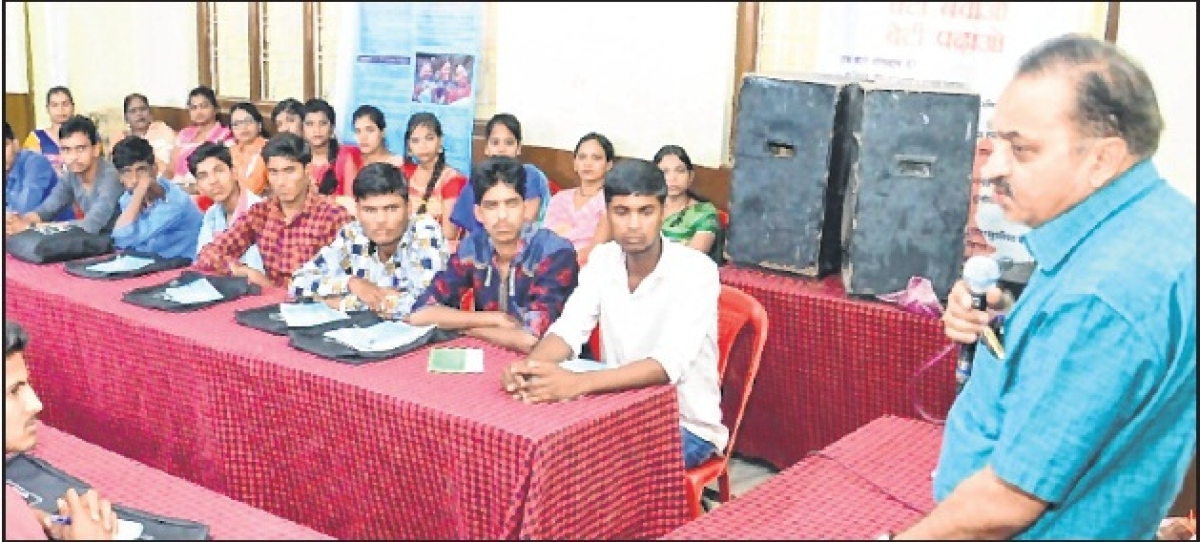 Ujjain: Youth leadership & mass development training camp concludes