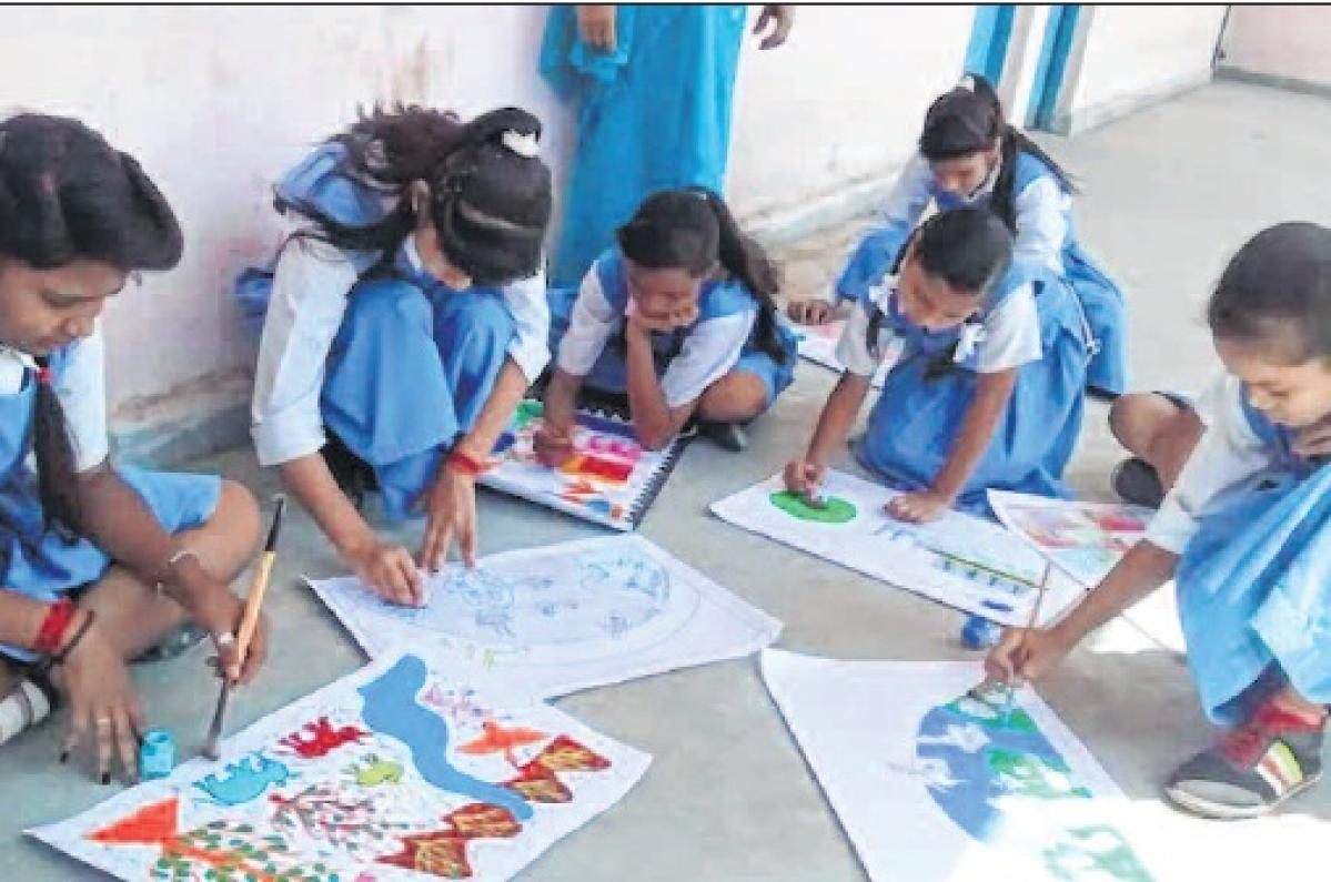 Bhopal: 'Jalvayu Parivartan Chetna' prog at government girls' school
