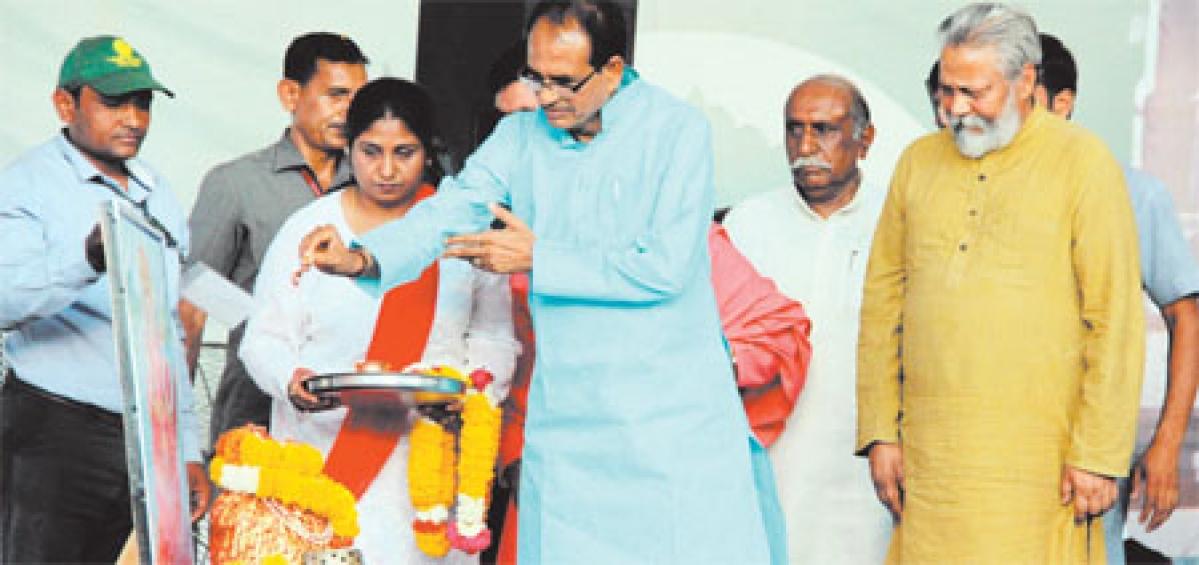 Bhopal: Chouhan restoring dignity of women, rivers says Rajendra Singh