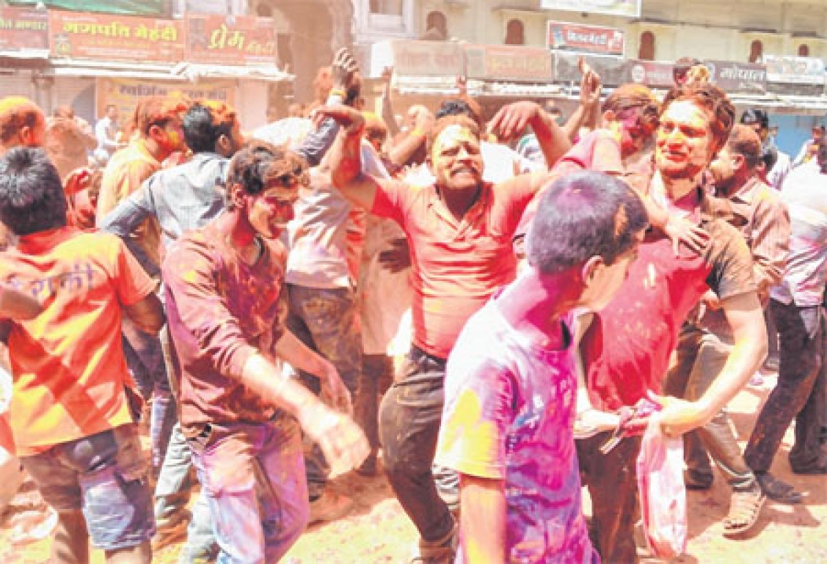 Ujjain: Swarnim Bharat Manch holds 'Rapatrolia'
