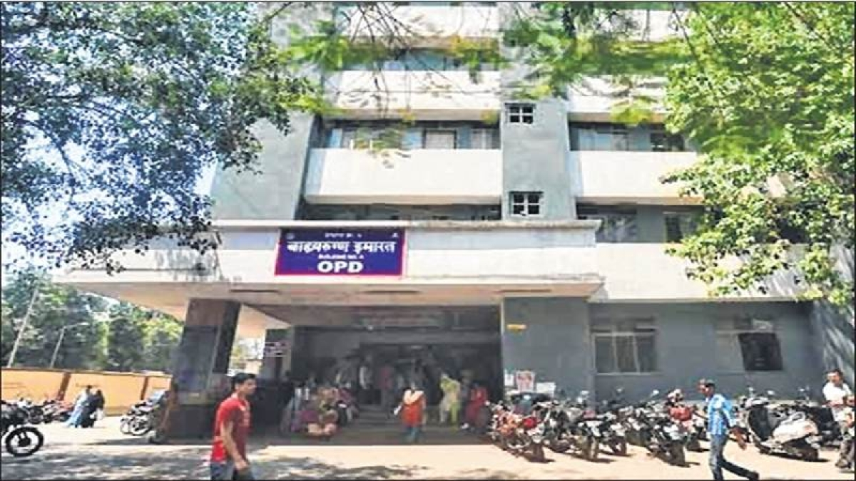 Mumbai: Doctors at civic-run Sion hospital stop working following assault on doctors