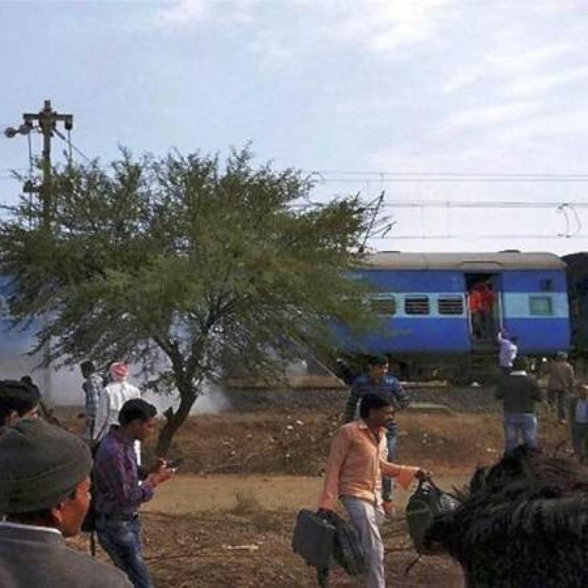 Madhya Pradesh: YRRASS demand train stoppage; keeps Nepanagar admin on toes