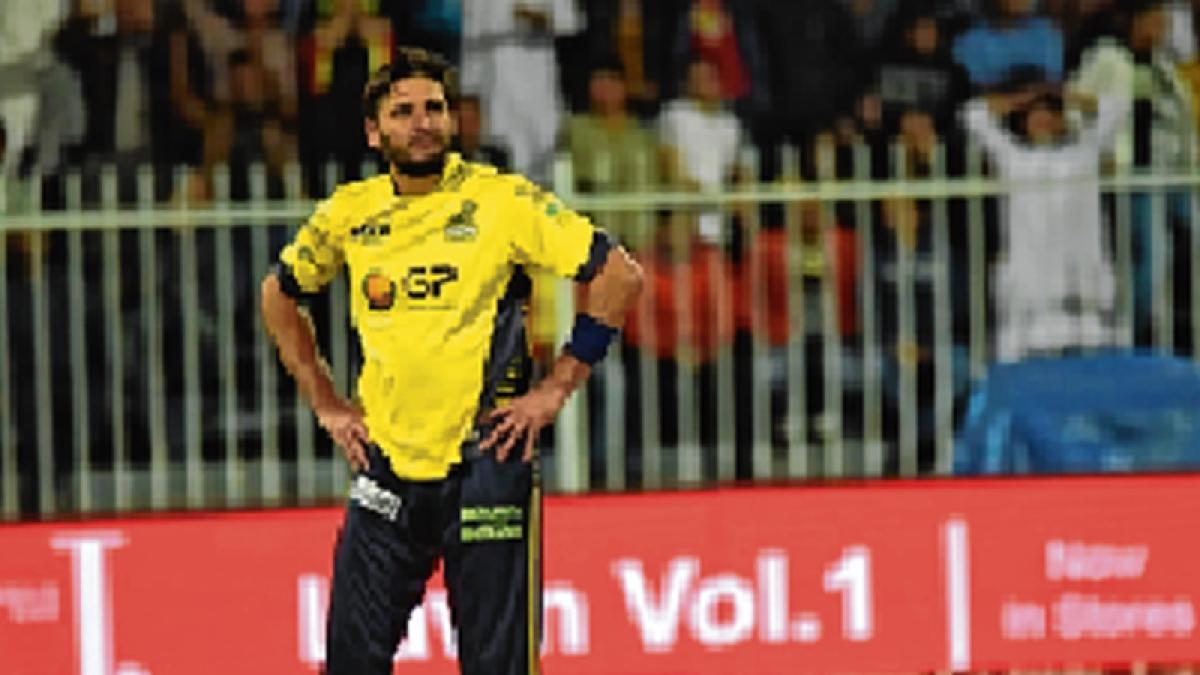 Injured Afridi out of PSL final