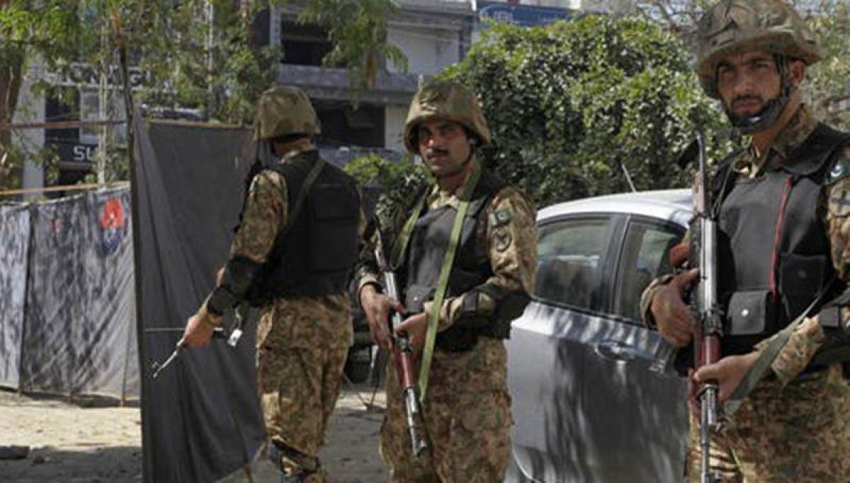 Pak executes three Islamic militants