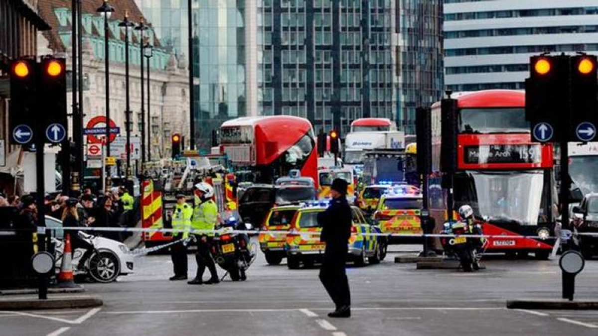 Police officer, another, shot at outside Westminster
