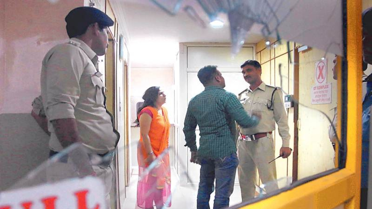 Indore: Kin ransack CHL Hospital after patient's death