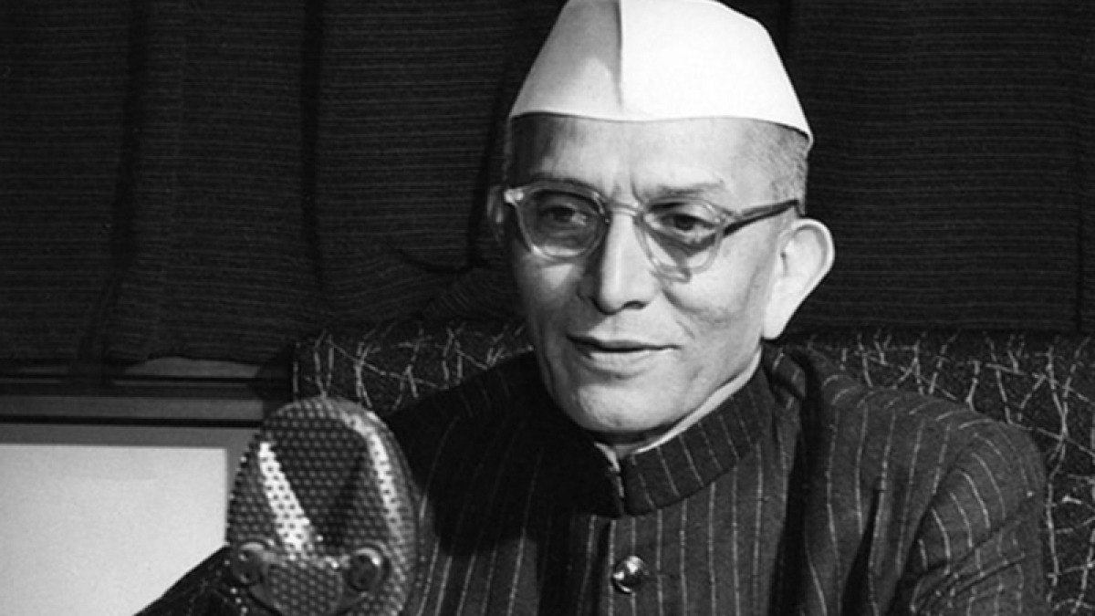 5 watershed moments in former Prime Minister Morarji Desai's political career