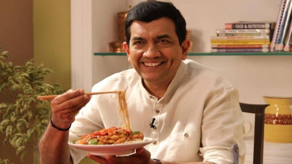 President Pranab Mukherjee confers Padma Shri to Chef Sanjeev Kapoor