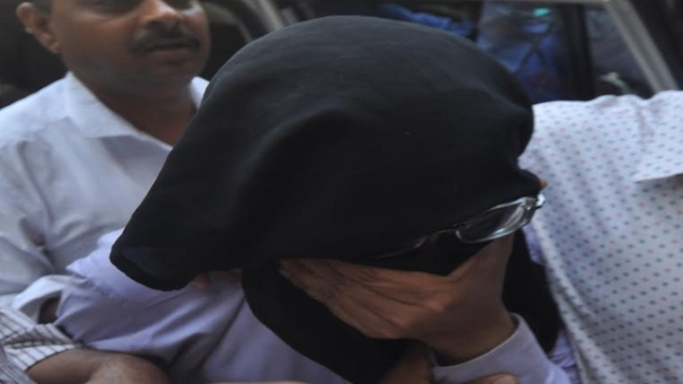 Mumbai: Dr.Kulkarni arrested by crime branch & produced  in Sex racket at killa court . Photo by BL SONI