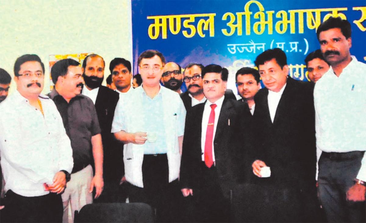 Ujjain: Bar Association honours Rajya Sabha member Vivek Tankha